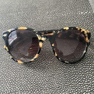 Accessories - Toirtoise shell sunglasses 🕶